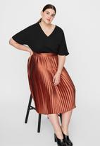 JUNAROSE - Itabs 2/4 sleeve midi dress - black & rust