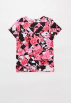 Nike - Girls Nike sportswear tee iconclash aop dptl - multi
