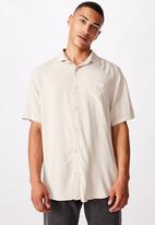 Cotton On - 91 short sleeve shirt - stone