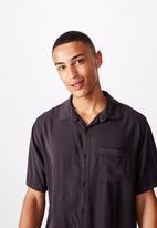 Cotton On - 91 short sleeve shirt - washed black