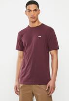 Vans - Left chest logo tee port royale - burgundy