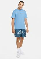Nike - Nsw ce flow aop 1 shorts - blue