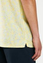 Levi's® - Short sleeve classic camper caxixi dusky citron