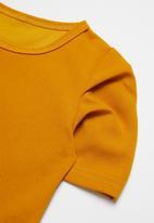 POP CANDY - Girls skirt & tee set - mustard & brown