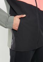 PUMA - Train vent woven jacket - mutli