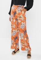 edit - D-ring relaxed fit trouser - orange