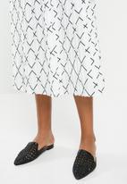 edit - Pleated midi skirt- black & white