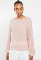 edit - Pleated sleeve blouse - pink