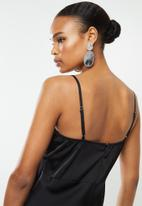 Missguided - Ruched bust strappy satin midi dress - black