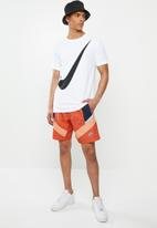 Nike - Nike sportswear he wr+ shorts - orange & navy