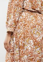 edit Plus - Balloon sleeve wrap tier dress - rust