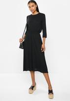 Jacqueline de Yong - Frosty 3/4 dress - black