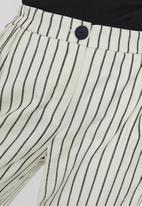 Vero Moda - Nelli culotte pant - neutral & navy