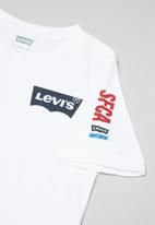 Levi's® - Levis vertical short sleeve tee - white