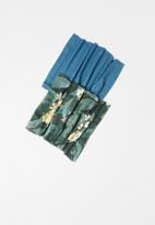 Superbalist - 2 Pack snood set - leaf print & teal