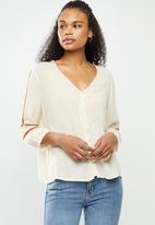 Vero Moda - Guna 3/4 shirt - neutral