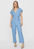 Vero Moda - Laura short sleeve v-neck knot jumpsuit - blue