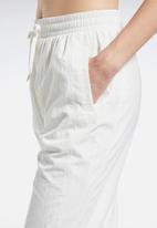 Reebok - Clf fr vector trackpants - white
