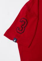 POLO - James numerical v-neck short sleeve tee - red