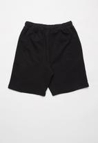 Rebel Republic - Boys fleece shorts - black