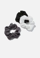 Rubi - 3 Pack scrunchies - black & white