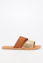Butterfly Feet - Bonzai sandal - tan