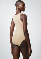 Superbalist - Single cutaway bodysuit - toasted almond