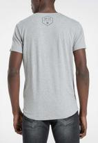 S.P.C.C. - Addle fashion scooped hem T-shirt - grey