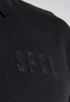 S.P.C.C. - Camara signature slim polo - black