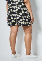 Superbalist - High waist shorts - black
