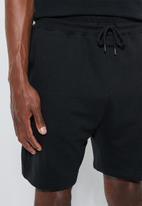 Superbalist - Sunday sweatshorts - black