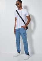 Superbalist - Carson tapered cargo jogger - blue