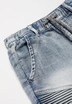 Cotton On - Jango walk short - blue