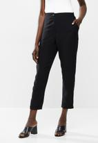Me&B - Tapered pant - black