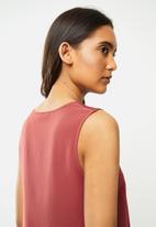 Vero Moda - Julian v-neck top - mauve