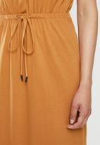 Brave Soul - Short sleeve tie waist midi - rust