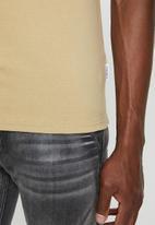 Jonathan D - Slim fit short sleeve V-neck - stone