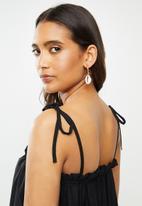 Vero Moda - Mianne solid midi dress - black
