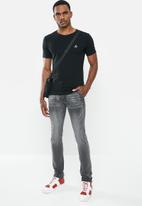 Jonathan D - Slim fit denim jean with side entry pockets - grey