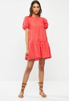 Glamorous - Puff sleeve tiered mini dress - red