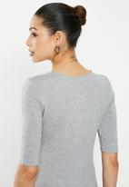 edit - Conscious scoop neck tee - grey