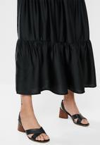 edit - Tiered peasant skirt - black
