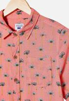 Free by Cotton On - Resort short sleeve shirt - palm trees retro coral
