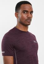 Superdry. - Active training short sleeve tee - burgundy