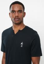 Jockey - Short sleeve V-tee - black