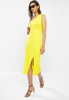 Glamorous - One shoulder belted midi - yellow