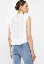 Brave Soul - Embroidery frill top - off white