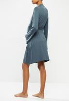 Cotton On - Sleep recovery maternity gown - iron