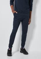 Superbalist - Skinny basic sweatpants - navy