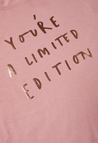 Rebel Republic - Girls printed crop top - pink
